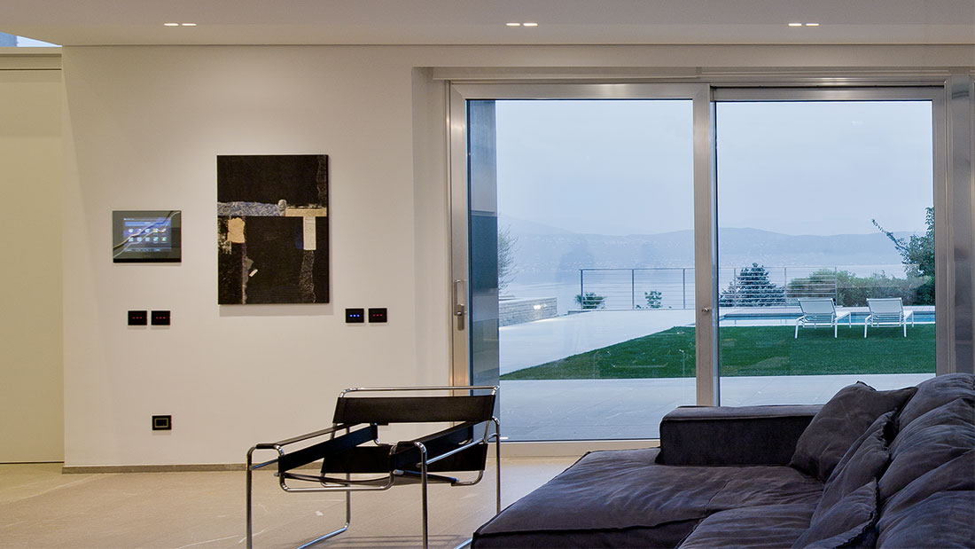AVE conquers Lake Garda with an elegant home automation villa